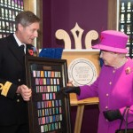 The Queen unveils plaque at Injin Barracks